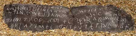 Hechizos de amor en la antigüedad escritos en láminas de plomo